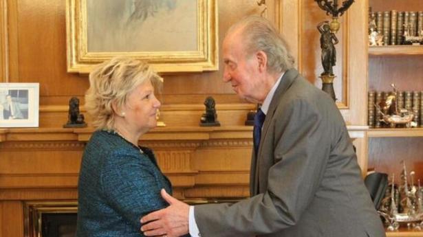 Ángeles Pedraza con su Majestad