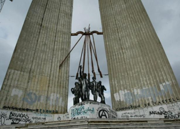 Derribar el monumento de Onésimo Redondo en Valladolid