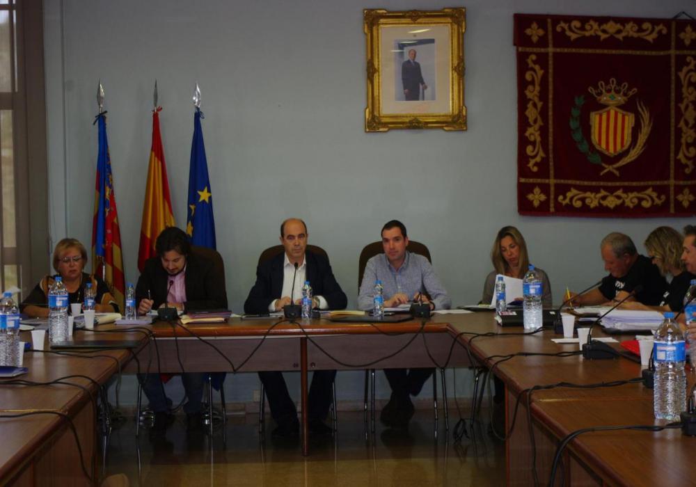 El pleno aprueba el pago semanal de la Escola d'Estiu en Xirivella