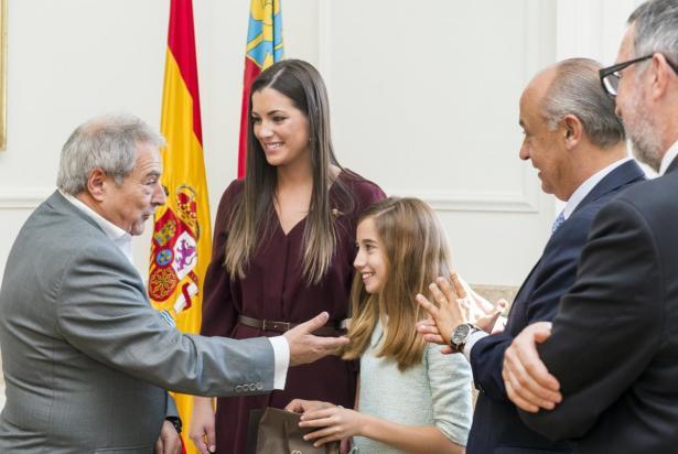 Falleras Mayores en la Diputación