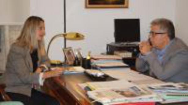Medina con la directora ejecutiva en España de la UNRWA Raquel Martí